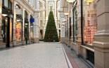 Der Passage shopping at Christmas