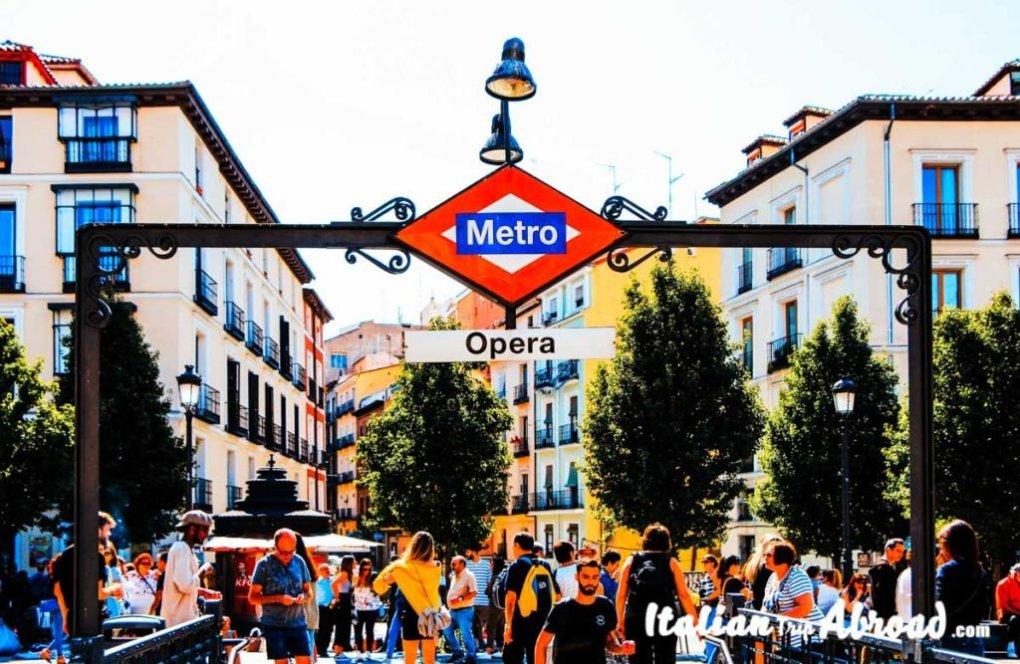 Metro Opera - Underground Madrid - Road trip in Spain