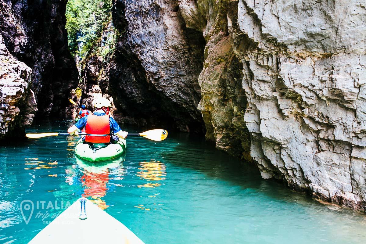 Lake os Santa Giustina - Kayaking in the lake in Trentino