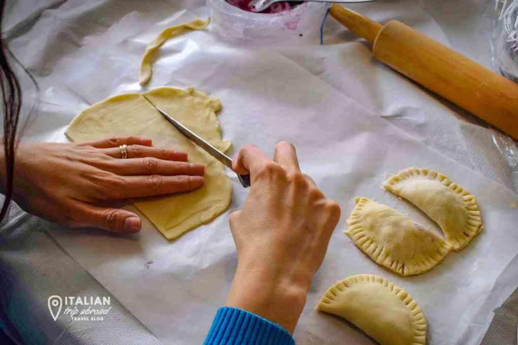 Puglia food guide - PAsta marking in Puglia