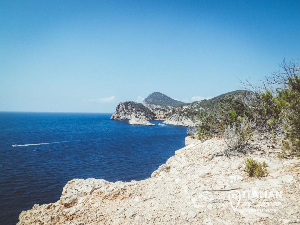 Il mare blu di Ibiza - Spagna