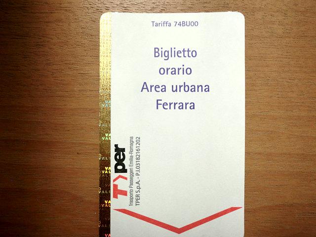 フェラーラのバス切符
