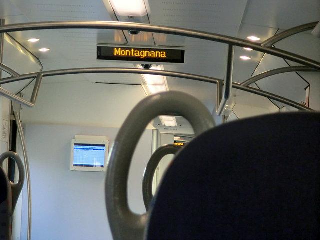 モンタニャーナ行きの電車