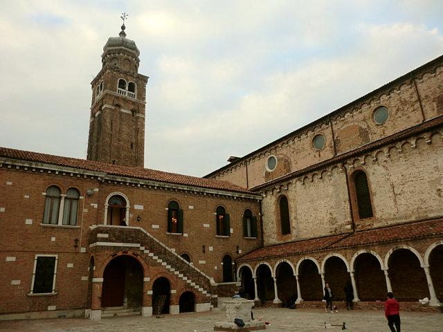 サン・ピエトロ・マルティーレ教会