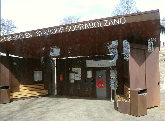 レノン鉄道ソプラボルツァーノ駅