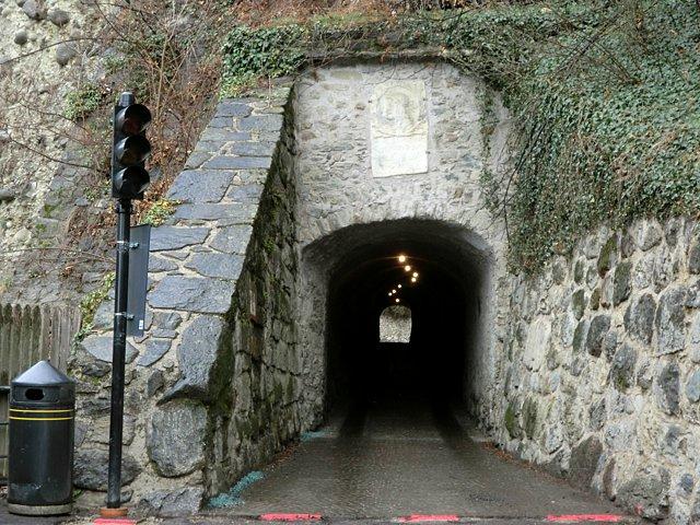チロル城トンネル