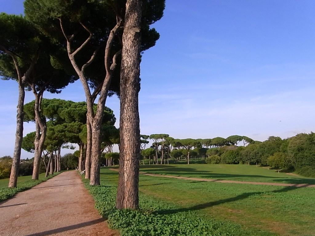 ローマのパンフィリ公園 散歩道