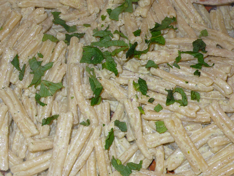 casareccie con la salsa di pistacchi