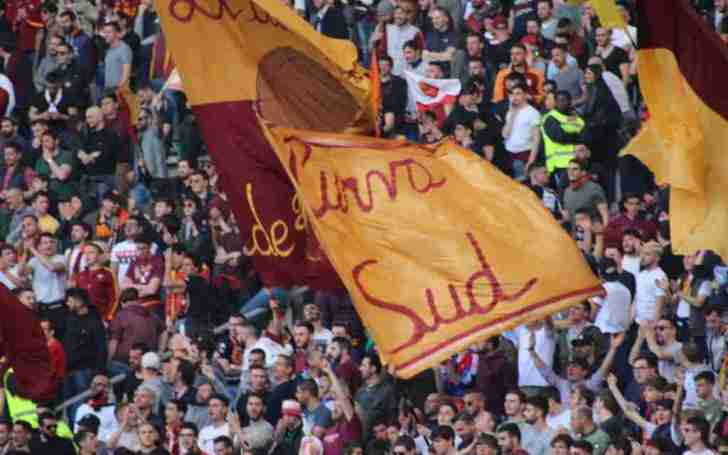 AS Roma Curva Sud - Seeing a soccer game in Italy