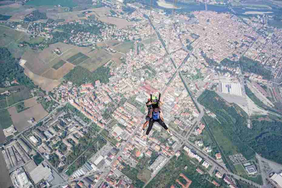 Tandem Parachuting in Northern Italy