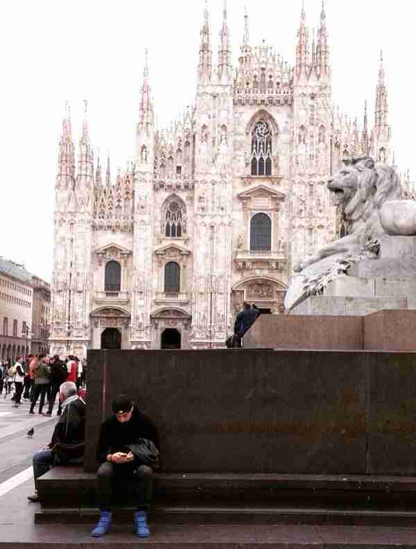 Taking a break near the Milano Duomo