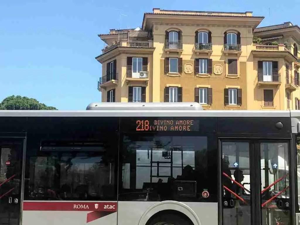 Roma ATAC bus, direzione Divino Amore