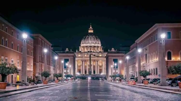 Via della Conciliazione at night