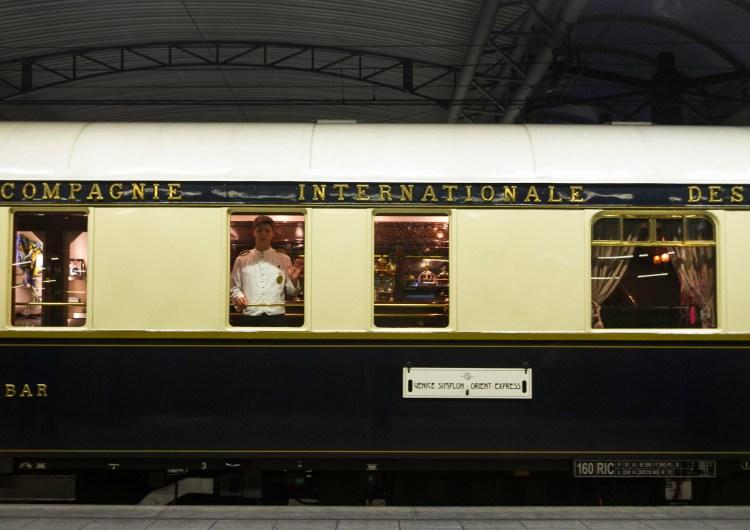 Referendum. Il treno renziano dell'antipolitica.