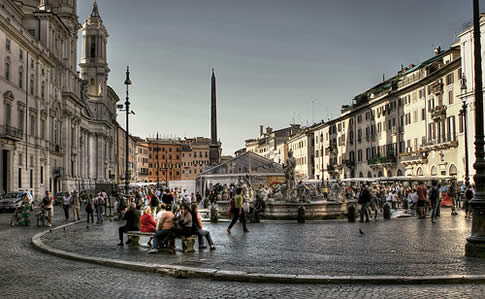 A picture of one of Rome's most famous piazzas - Piazza Navona