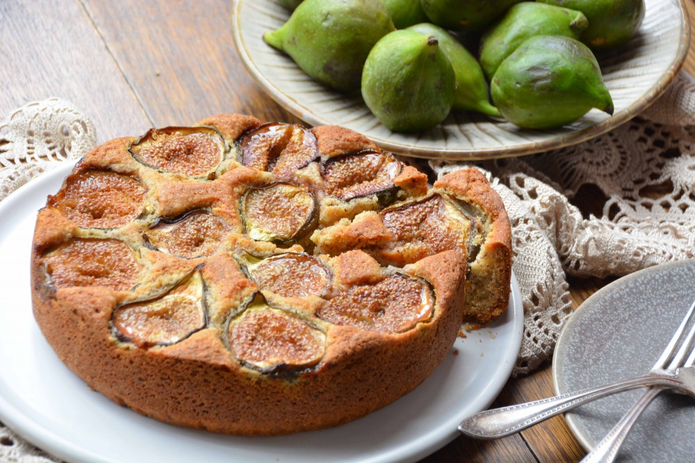 italy on my mind-rustic fig and hazelnut cake