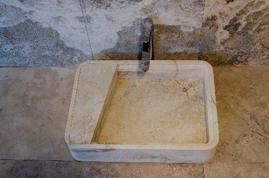 Lavabo in Pietra di Rapolano
