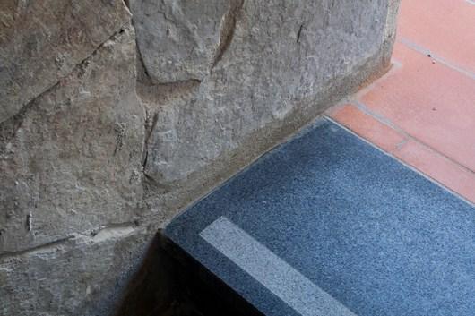 trattamento antiscivolo su scalino in pietra