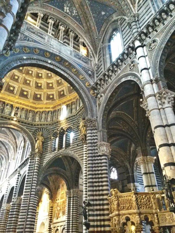pietre-di-rapolano-duomo-siena-dome-church-marble-cattedrale-interno-navata-chiesa-romanico