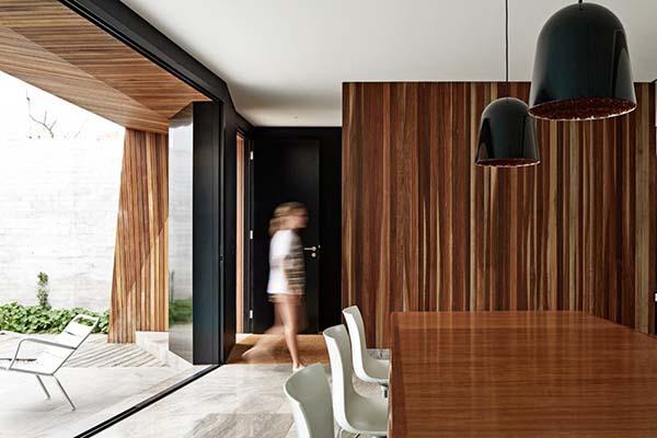 villa-vittoriana-australia-pavimenti-travertino-edifici-piscina