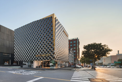 Givenchy-flagship-store-Seoul-by-Piuarch-architects-architetti-seul-architettura
