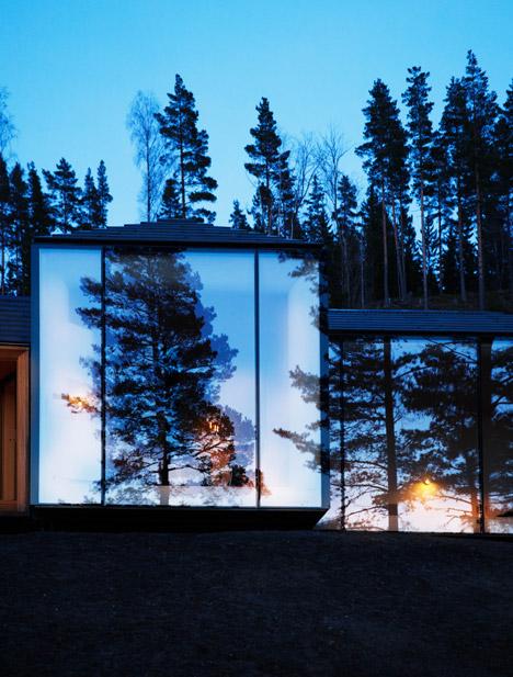 bungalow-forseta-norvegia-rivestimenti-in-pietra-basalto-interni-in-legno-atelier-oslo