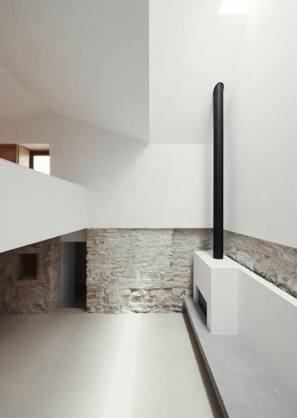 progetto architettura minimale con rivestimenti in pietra