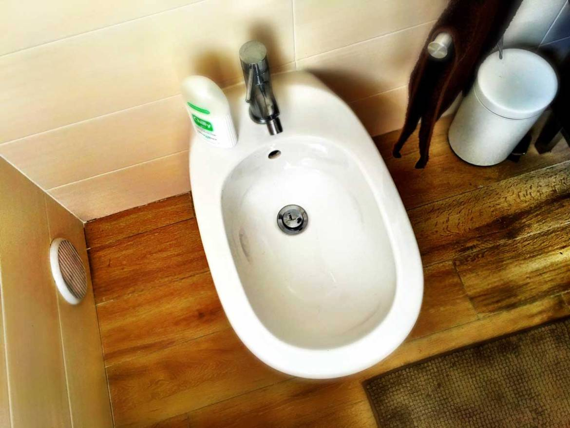 The Bidet, Italywise