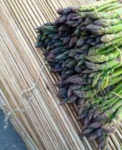 Anche gli asparagi si possono trovare qui a Chiusure!
