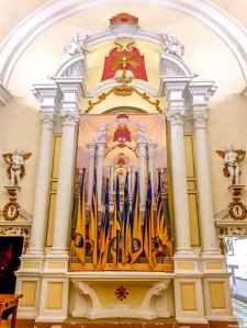 L'altare della chiesa del Corpus Domini, sede del quartiere montalcinese Ruga