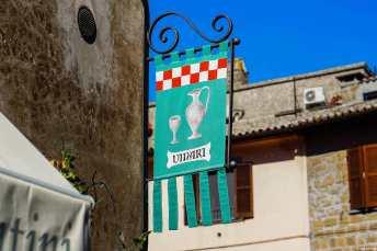 Una delle molte enoteche diffuse nel centro storico di Orvieto, dove degustare l'Orvieto Classico ed anche il Muffato d'Orvieto