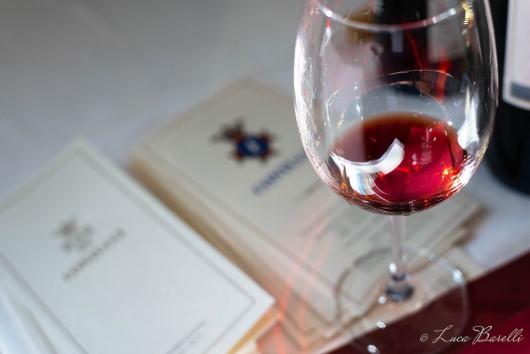 Calice di Nobile e brochures all'Anteprima del Vino Nobile di Montepulciano 2018