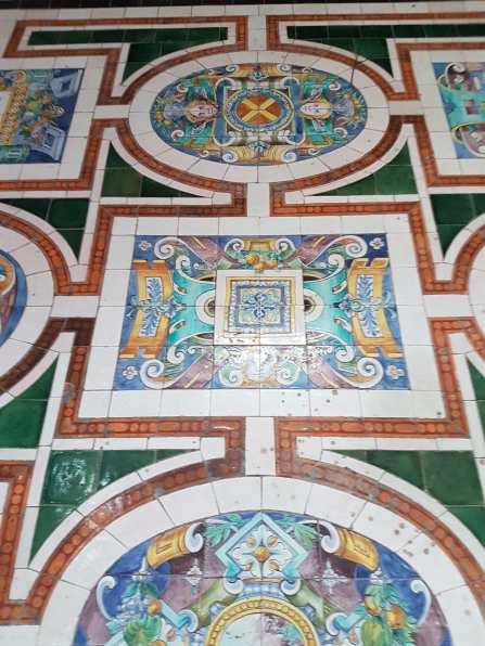 Le sol de la chapelle d'Amoncourt dans la cathédrale Saint-Mammès