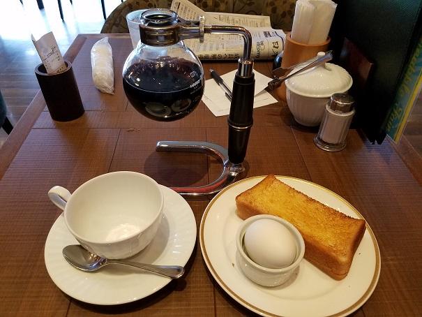 尼崎市の倉式珈琲店 尼崎上ノ島店で7時からモーニングはおすすめ
