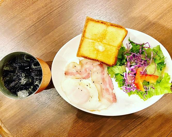 上島珈琲店 大阪国際空港店にて開店すぐ、7時からモーニングはおすすめ