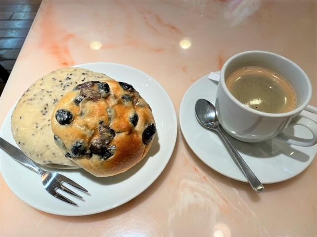 豊中市・ベーカリーカフェ ルフラン曽根本店イートインで7時30分からモーニングはおすすめ!