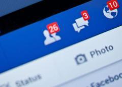 Facebook considering WhatsApp, Messenger Integration