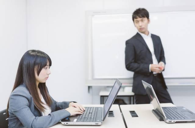 楽な仕事に就きたい場合取得すべき会計IT介護の資格