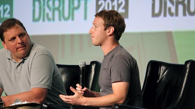 Марк Цукерберг: Facebook-телефон бессмысленен