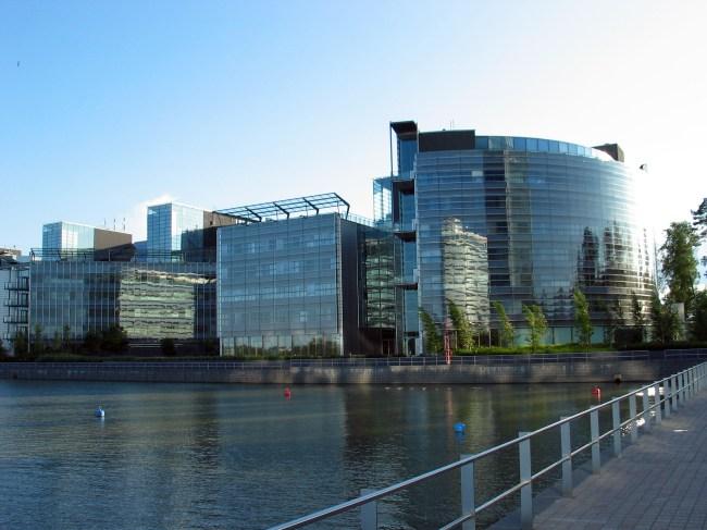 Nokia продала штаб-квартиру в Финляндии, но съезжать не собирается