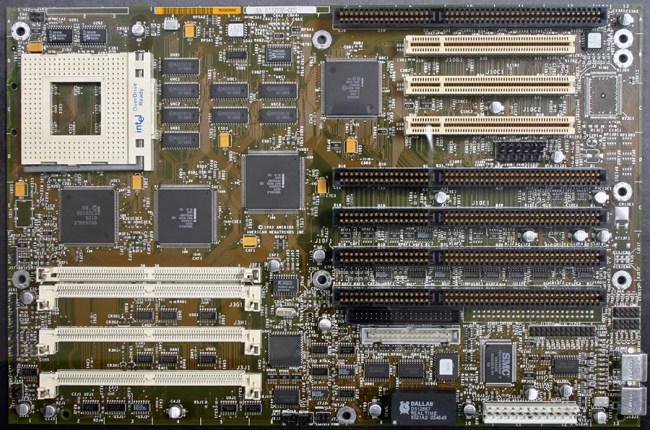 Материнские платы Intel: десктопы еще повоюют?