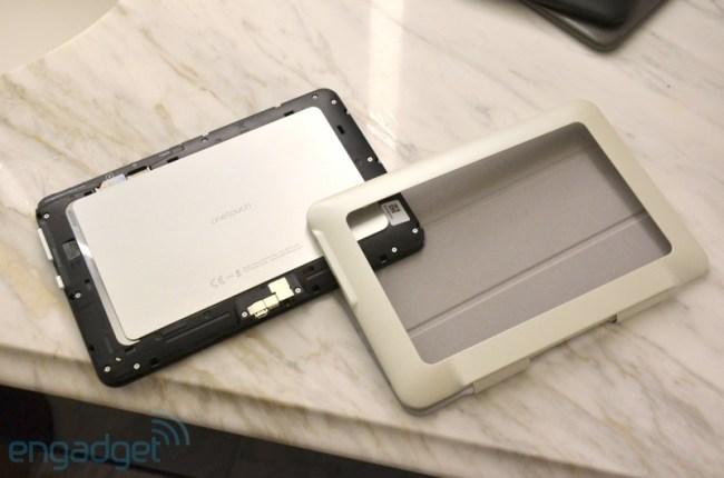 Alcatel показала два «модульных» планшета One Touch Evo и три недорогих One Touch Tab