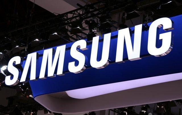 Продажи смартфонов Samsung возрастут на 35% в 2013 году