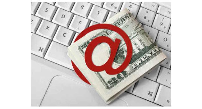 В 2012 году объем продаж электронной торговли в секторе B2C впервые составил более $1 трлн
