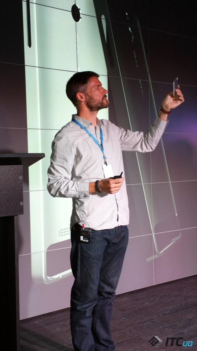Питер Гриффит (глава подразделения индустриального дизайна Mobile Phones) рассказывает о создании Nokia 515