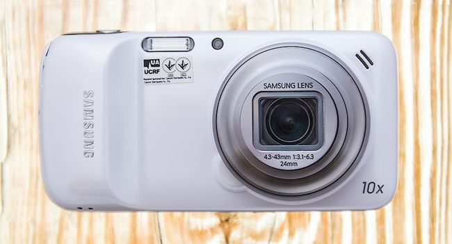 Samsung_Galaxy_S4_Zoom_front
