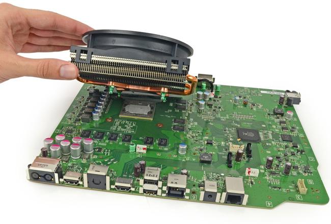 Специалисты iFixit разобрали игровую консоль Microsoft Xbox One