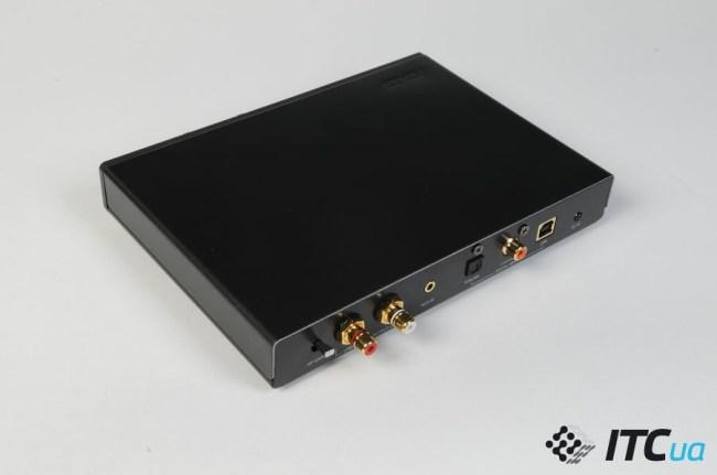 Asus_Xonar_Essence_STU_connectors