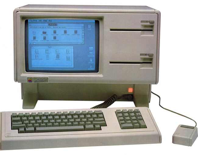 Компьютер Apple Lisa: 12-дюймовый черно-белый дисплей, процессор Motorola 68000 на 5 МГц, 1204 кб ОЗУ, два 5,25-дюймовых дисковода и, опционально, внешний жесткий диск (1983 год)