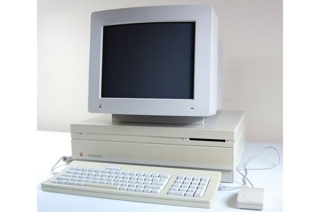 Apple Macintosh IIx: процессор Motorola 68030 16 МГц, 4 Мб ОЗУ с возможностью расширения до 128 Мб, цена $7800 (1990 год)